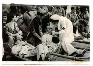 Misa de enfermos en el Paseo de la Bomba. 4 de octubre de 1949. Torres Molina/Archivo de IDEAL