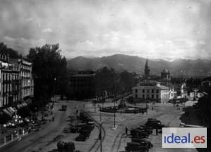 La Fuente de las Batallas en una imagen de principios del siglo XX. Torres Molina/Archivo de IDEAL