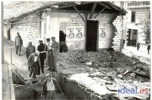Inicio de los trabajos de demolición del Rastro de Granada. Octubre 1968. Torres Molina/Archivo de IDEAL