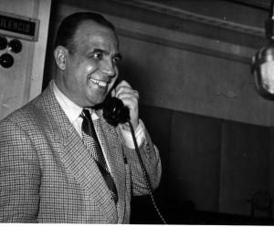 Pepe Real en Radio Granada. Fecha desconocida. Torres Molina/Archivo de IDEAL