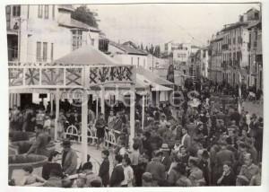 Carruseles en una de las fiestas de barrio en las primeras décadas del siglo pasado. Torres Molina /Archivo de IDEAL